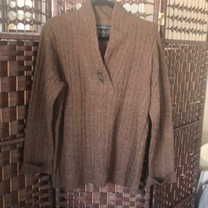 Josephine Chaus long sleeved sweater size XL